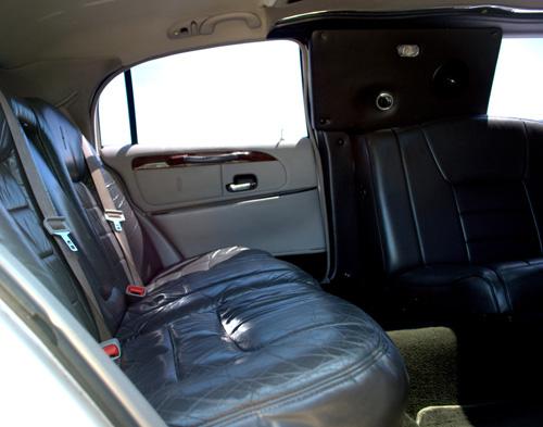 12-pass-lincoln-limo-2