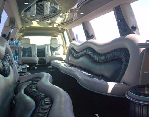 20-pass-escalade-limo-4
