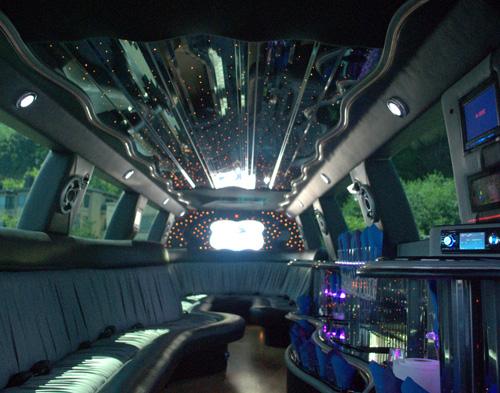 22-pass-escalade-limo-2